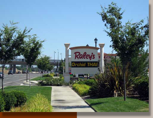 Planting Design at Raley's in Lincoln, CA